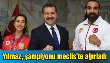 Başkan Yılmaz, şampiyonu meclis'te ağırladı