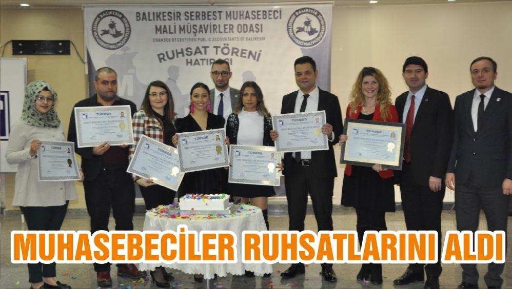 MUHASEBECİLER RUHSATLARINI ALDI