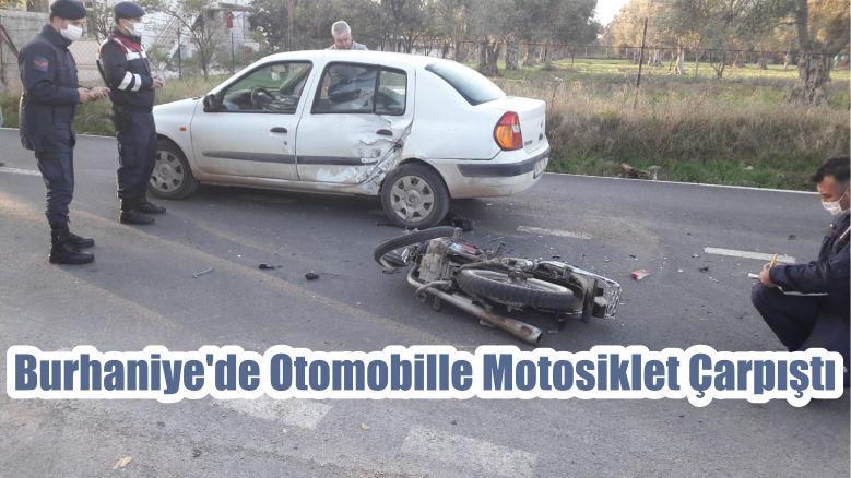 Burhaniye'de Otomobille Motosiklet Çarpıştı