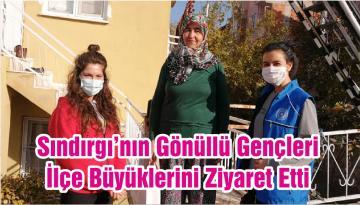Sındırgı'nın Gönüllü Gençleri İlçe Büyüklerini Ziyaret Etti