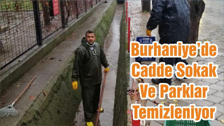 Burhaniye'de Cadde Sokak Ve Parklar Temizleniyor