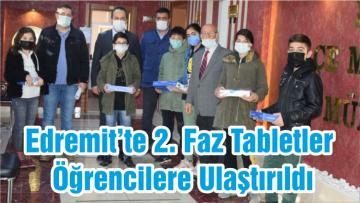 Edremit'te 2. Faz Tabletler Öğrencilere Ulaştırıldı