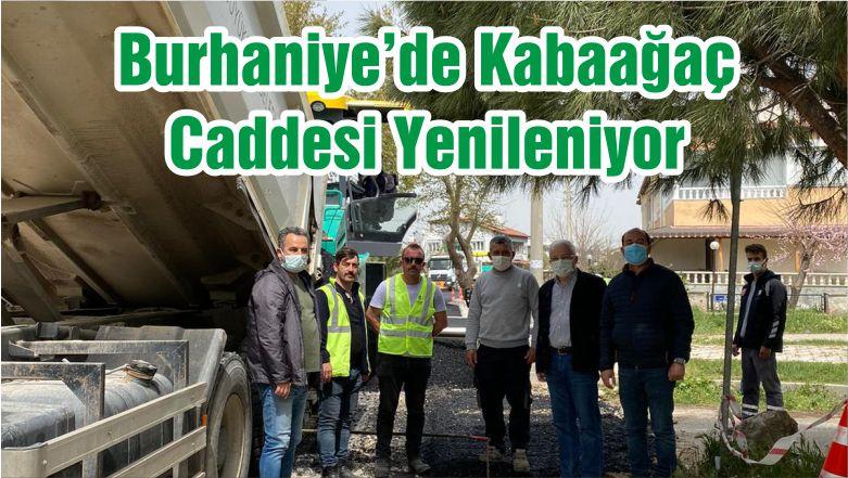 Burhaniye'de Kabaağaç Caddesi Yenileniyor