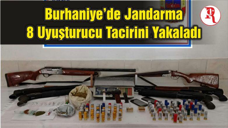 Burhaniye'de Jandarma 8 Uyuşturucu Tacirini Yakaladı
