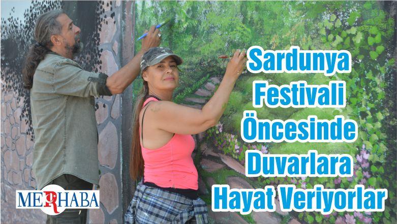 Sardunya Festivali Öncesinde Duvarlara Hayat Veriyorlar