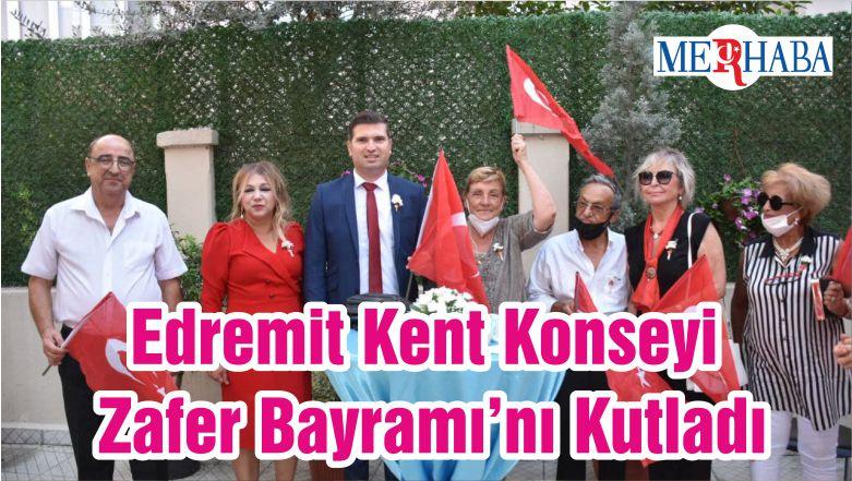 Edremit Kent Konseyi Zafer Bayramı'nı Kutladı