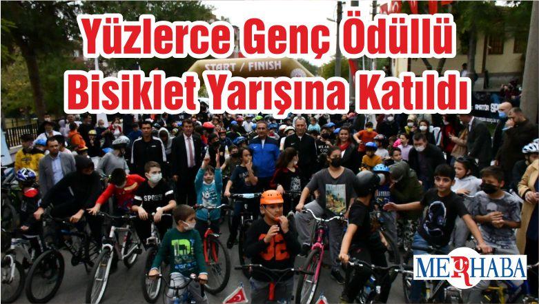Yüzlerce Genç Ödüllü Bisiklet Yarışına Katıldı